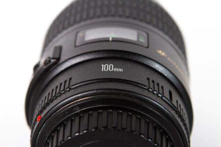 Canon EF 100mm f/2.8